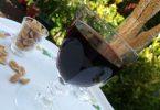 Boisson apéritive faite avec un reste de vin rouge