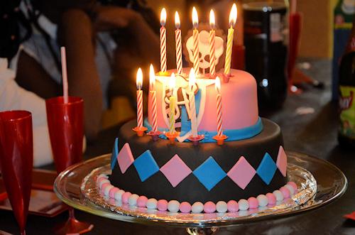 Gâteau d'anniversaire Monster High et toutes ses bougies