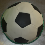 Gâteau ballon de foot sans moule