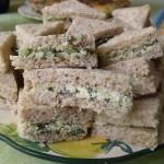 Sandwichs au concombre et beurre de menthe fraiche