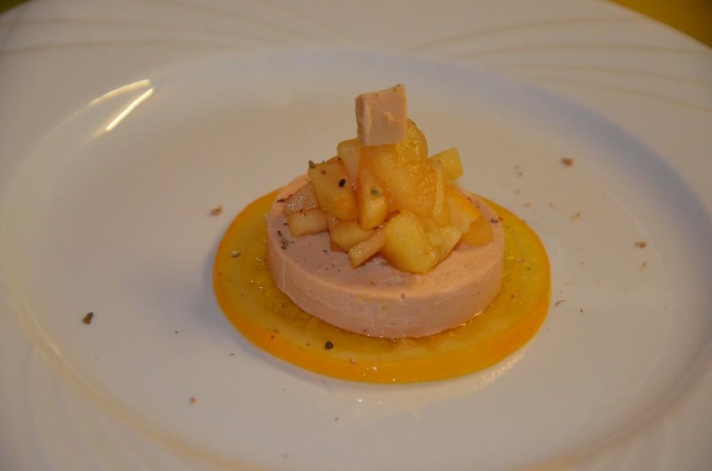 foie gras et sa compotée de pommes à l'orange confite (6)