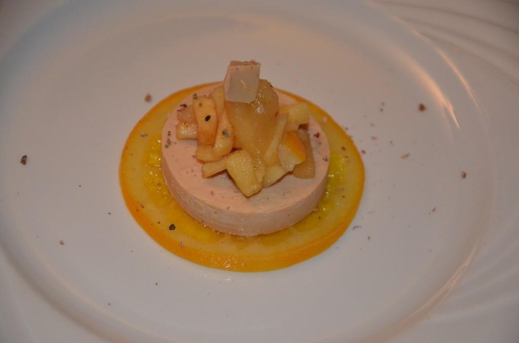 foie gras et sa compotée de pommes à l'orange confite (9)