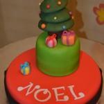 Happy Christmas Cake (gâteau de Noël en pâte à sucre)
