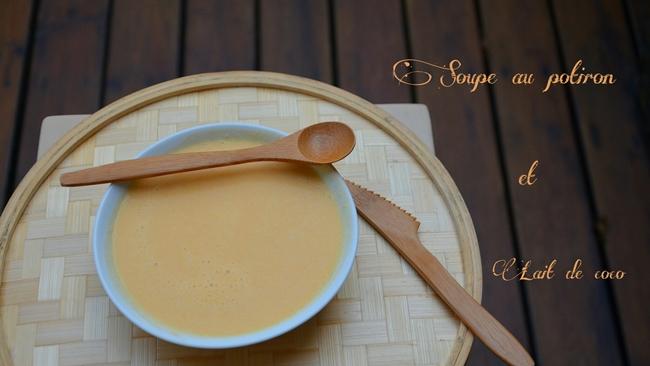assiette de soupe au potiron et lait de coco