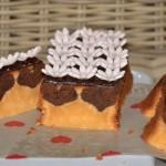 Un gâteau caché (un peu) chocolat-thé matcha/fleur d'oranger