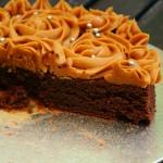 Rose cake chocolat-caramel au beurre salé