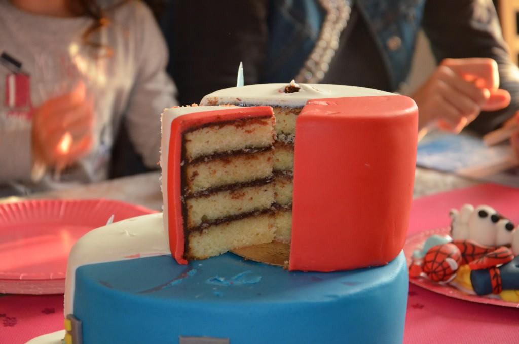 gâteau double thème Reine des neiges-Spiderman (10)