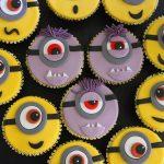 Cupcakes minions aux chocolats noir et blanc