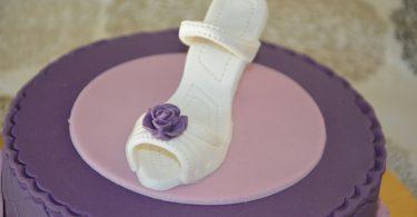 gateau-escarpin-violet-rose