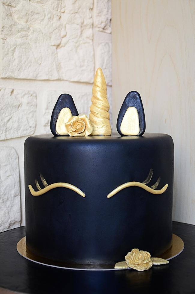 Gateau Licorne Noir Et Or Ou Comment Utiliser Un Dummy Do You Cake