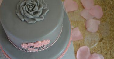 wedding-cake-gris-rose