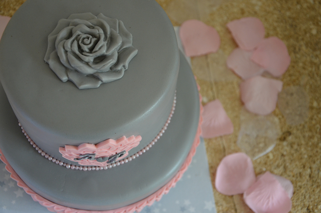 wedding-cake-gris-rose