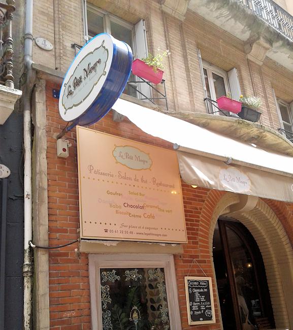 La devanture du Salon de Thé Le Petit Magre à Toulouse