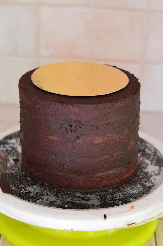comment sculpter un gâteau conique, première étape