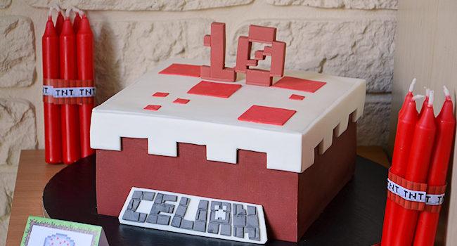 une idée de gâteau minecraft pour un anniversaire