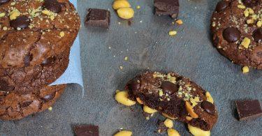 ces cookies au chocolat et cacahuetes sont très moelleux
