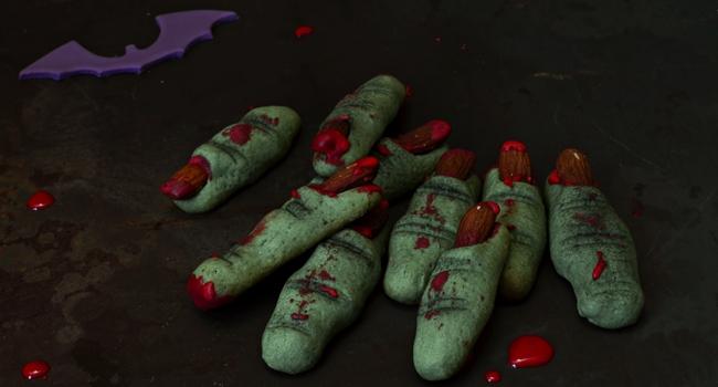 recette d'halloween à faire avec les enfants, biscuits doigts de monstres
