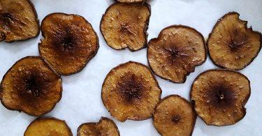 des chips de poires sechées au four