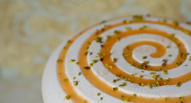 une recette de fête : l'entremets abricot pistache tonka