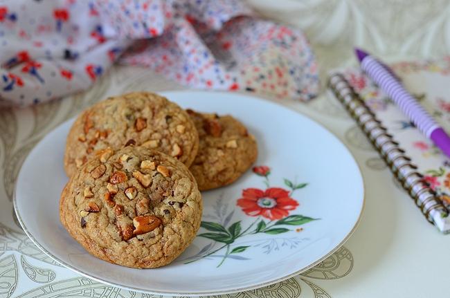 Une recette facile de cookies moelleux à la cacahuète et caramel