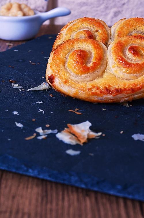 une recette avec de la pâte feuilletée : des palmiers maison à la frangipane