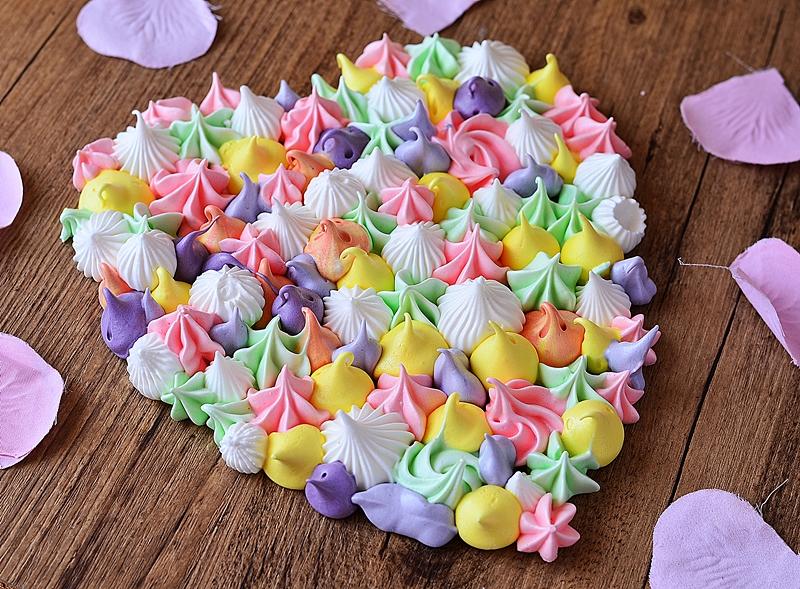 Idée facile de dessert pour la St Valentin avec une meringue coeur géant