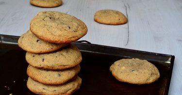 Cookies sans gluten au beurre de cacahuètes empilés