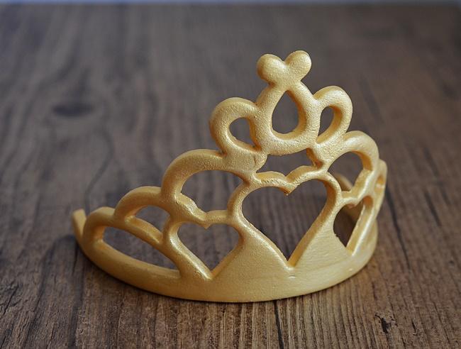 exemple de couronne en pâte à sucre sur commande
