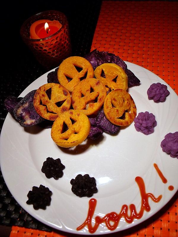 croquettes de patates douces, chips vitelottes et purée violette pour halloween salé