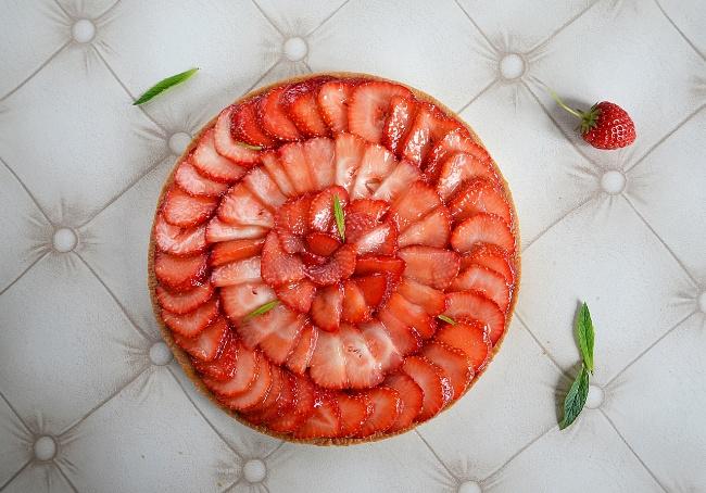 tarte aux fraises et sa crème pâtissière aromatisée à l'abricot