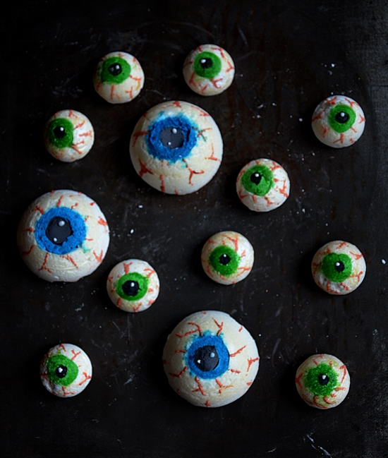 idée de recettes sucrées pour halloween : yeux en meringue